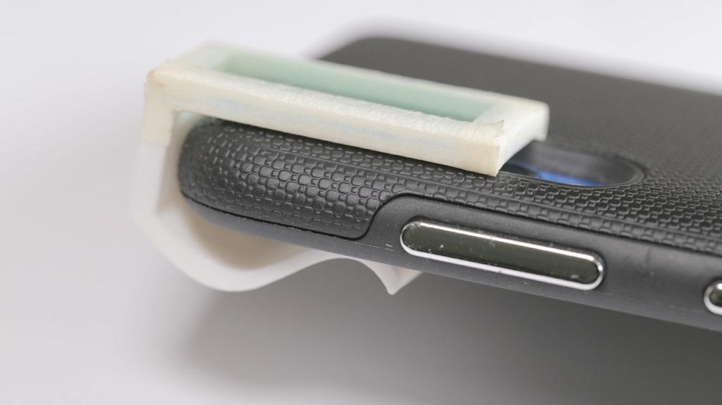 espectrômetro instalado no celular - vista lateral